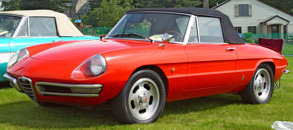 1967-Alfa-Romeo-Duetto-Red-Front-Angle-st